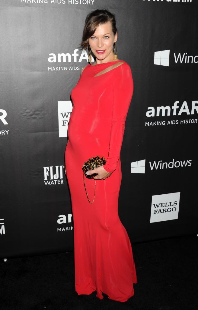 Milla Jovovich : elle révèle le sexe de son bébé au gala de l'amfAR !