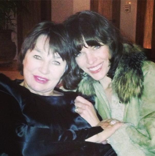 Milla Jovovich et sa mère, heureuses