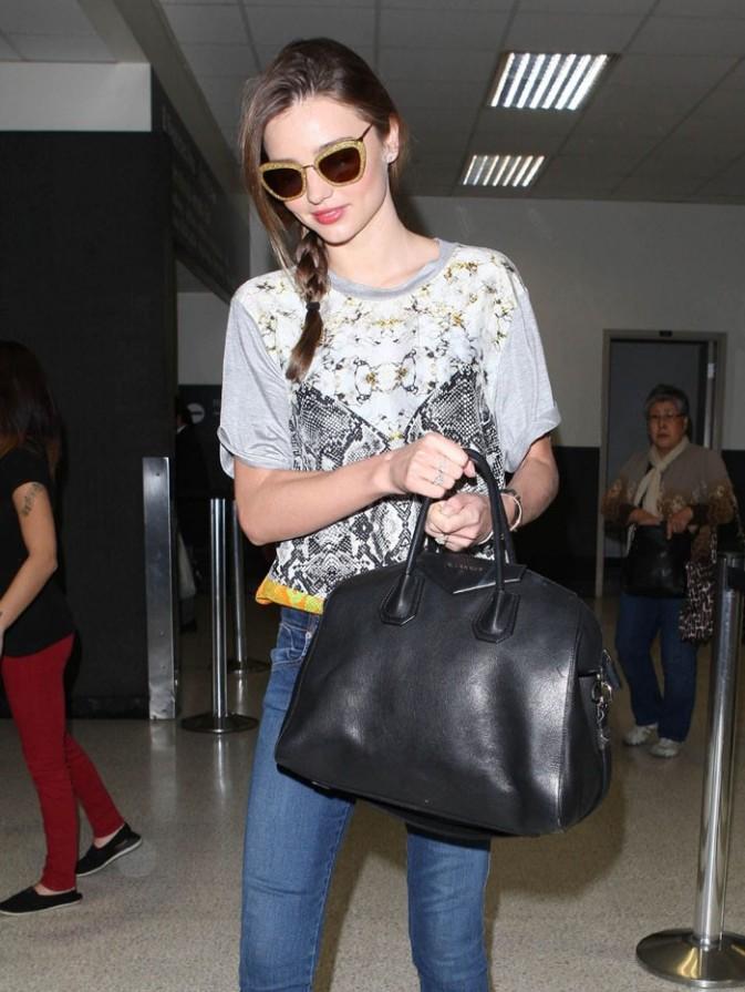 Miranda Kerr à l'aéroport de Los Angeles le 15 février 2013