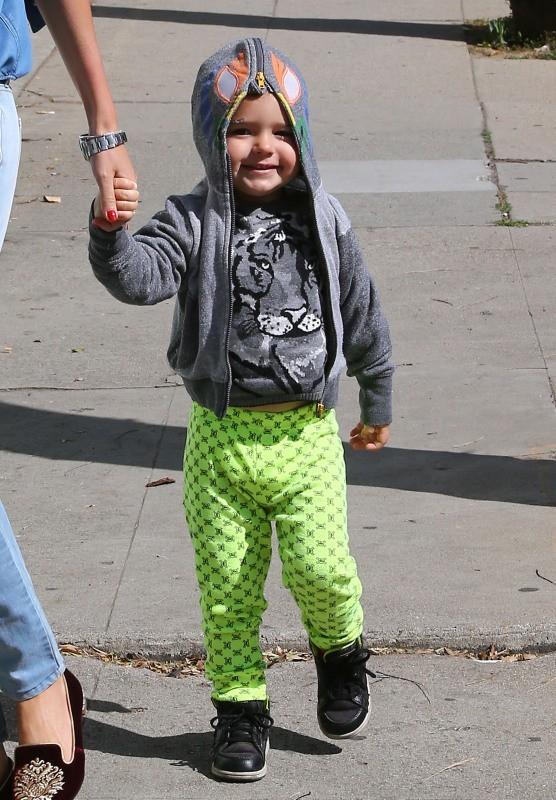 Miranda Kerr et son fils Flynn à West Hollywood, le 8 avril 2013.