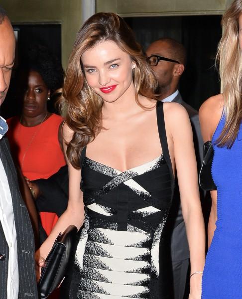 """Miranda Kerr lors de l'after-party du lancement de la pièce de théâtre """"Roméo et Juliette"""" à New York, le 19 septembre 2013."""