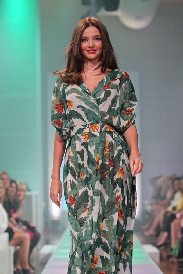 Miranda Kerr défile à Sydney pour David Jones le 14 août 2012