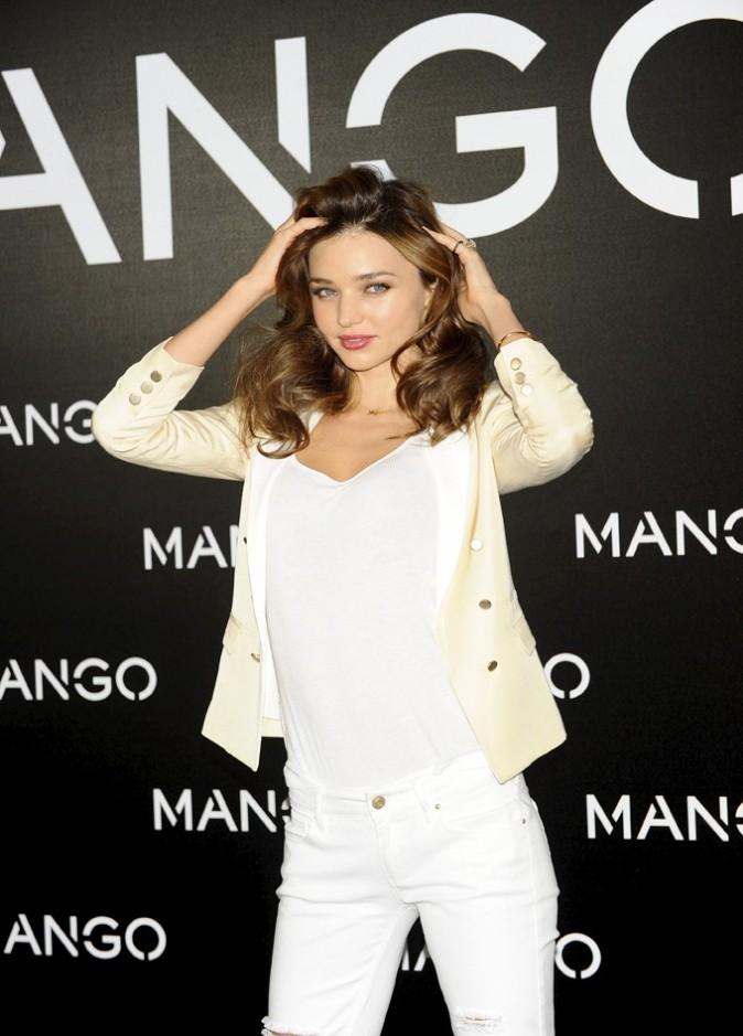 Miranda Kerr en conférence de presse à Madrid pour Mango le 11 décembre 2012
