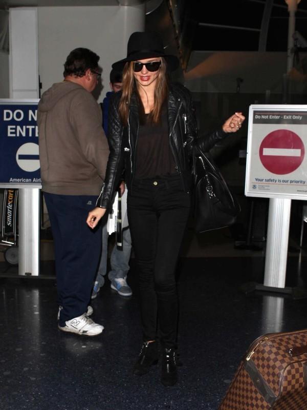 Miranda Kerr à l'aéroport de Los Angeles, le 2 décembre 2012.