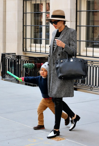 Miranda Kerr et son fils Flynn à New York, le 25 mars 2014.