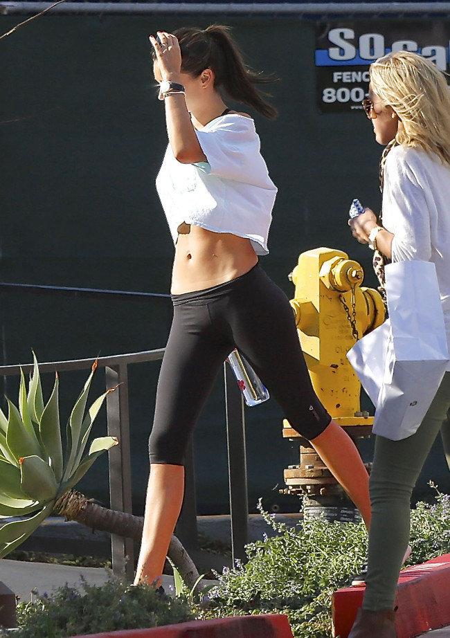 Miranda Kerr à Malibu le 3 novembre 2015