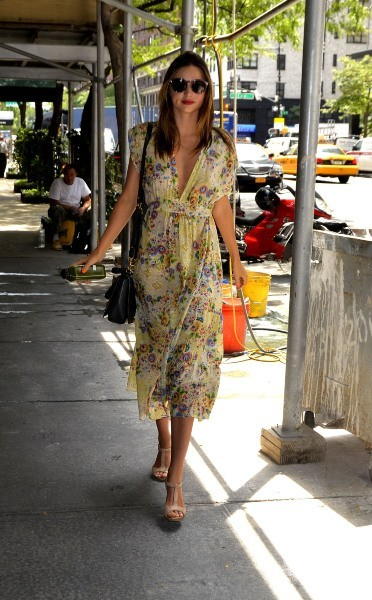 Miranda Kerr dans les rues de New York, le 11 juillet 2012.