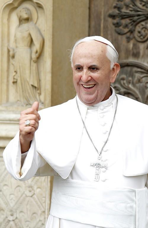 Photos : mis au régime forcé, le pape François peut se consoler avec sa statue de cire ! Ressemblante ?
