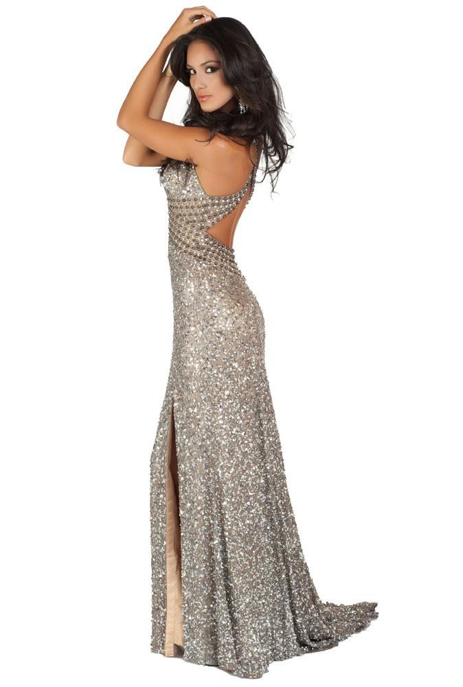 Miss Costa Rica en robe de soirée