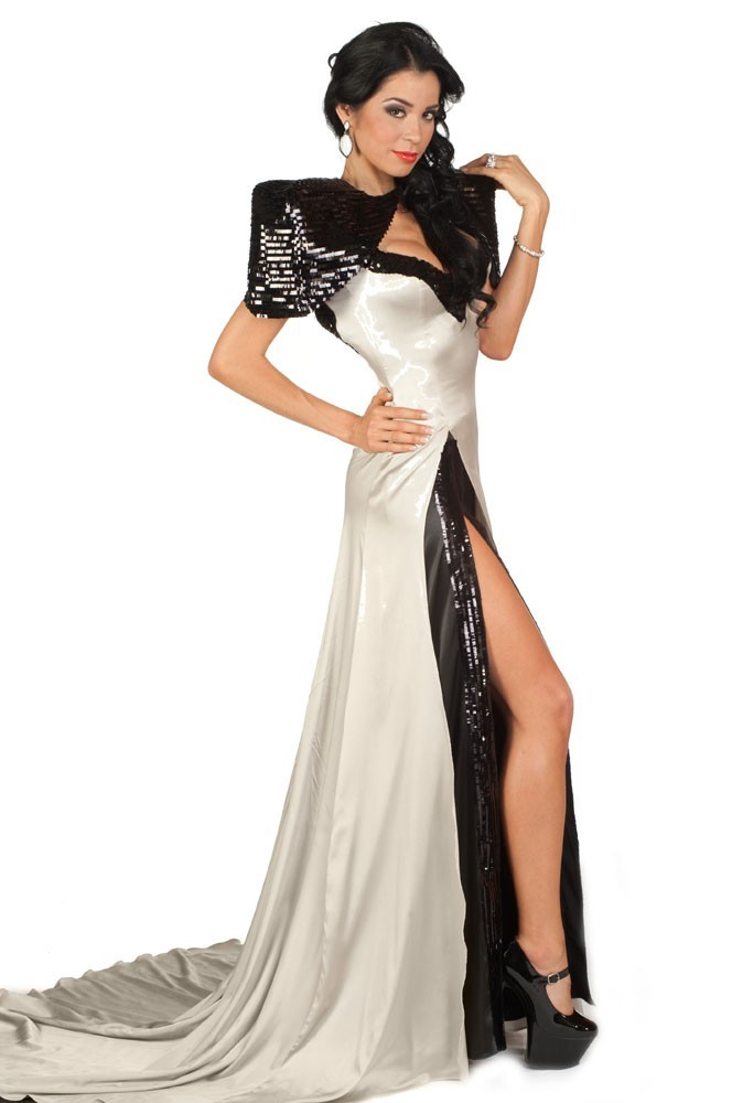 Miss Guatemala en robe de soirée
