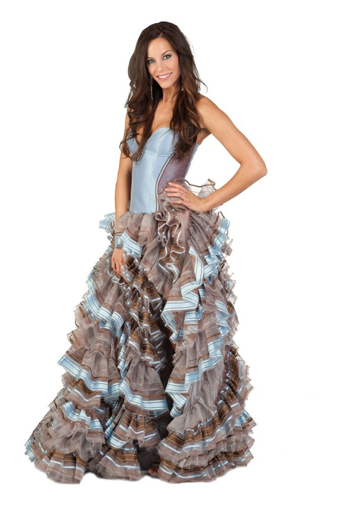 Miss Hongrie en robe de soirée