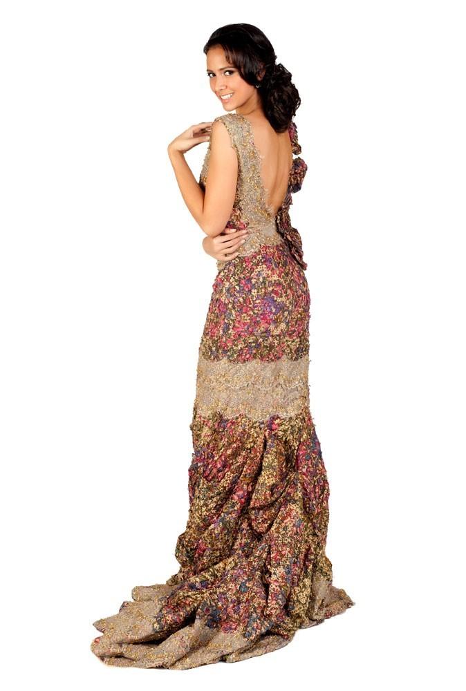 Miss Indonésie en robe de soirée