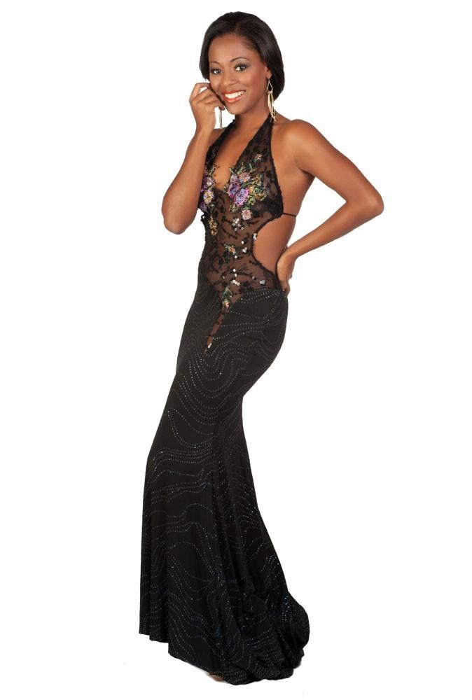 Miss Jamaïque en robe de soirée