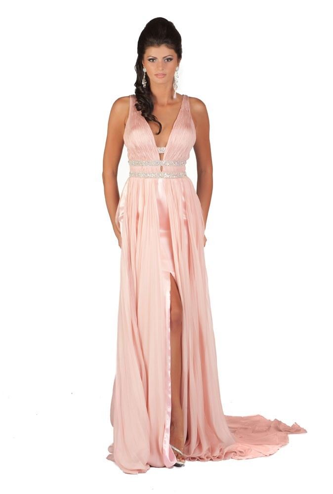 Miss Slovaquie en robe de soirée