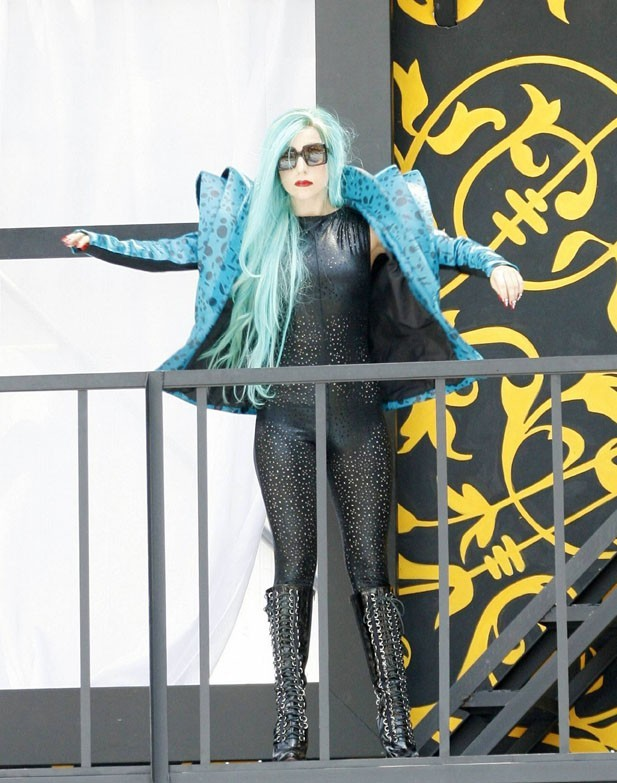 Elle est quand même mieux, même avec des cheveux bleus !