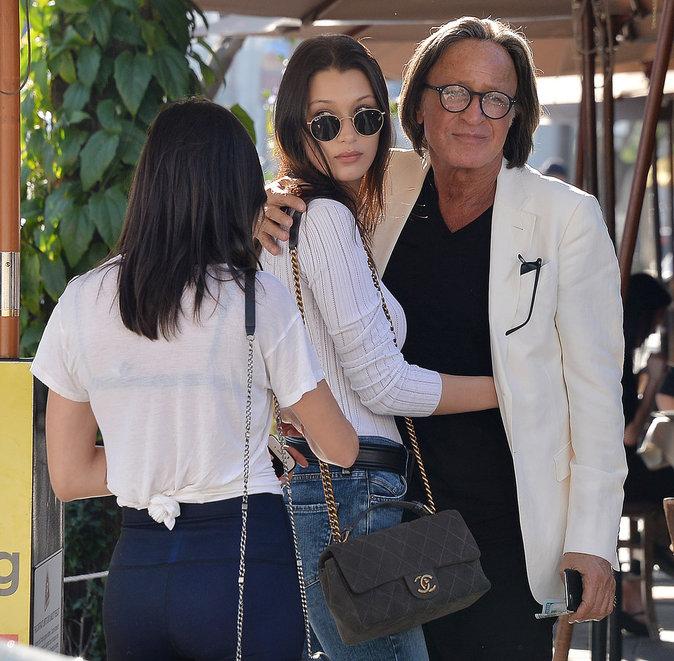 "Photos : Mohamed Hadid : déjeuner avec Bella, son ""bébé"" !"