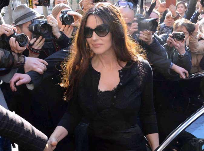 Monica Bellucci : bellissima et toute en volupté pour le défilé de Dolce & Gabbana !