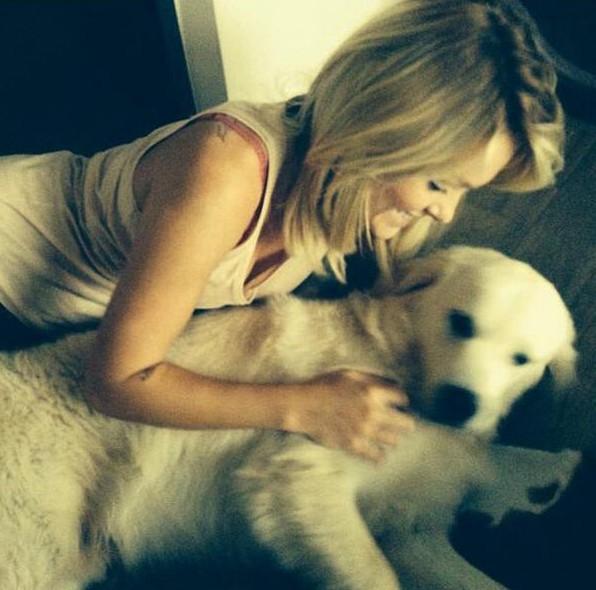 Entre Valentin et son chien, son coeur balance