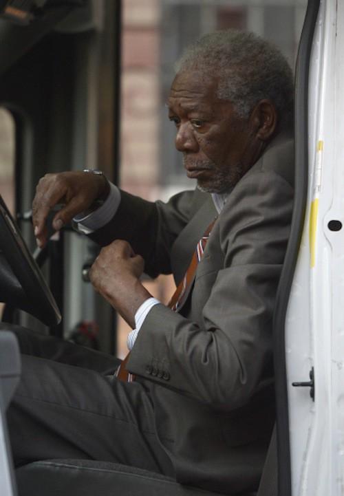 Photos : Morgan Freeman de retour en tournage, trois jours après le meurtre de sa petite-fille…