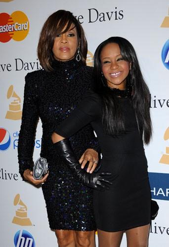 Bobbi Kristina et Whitney Houston à la soirée pré-Grammy Awards en février 2011