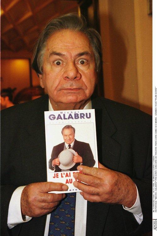 Michel Galabru présente son livre en 1996