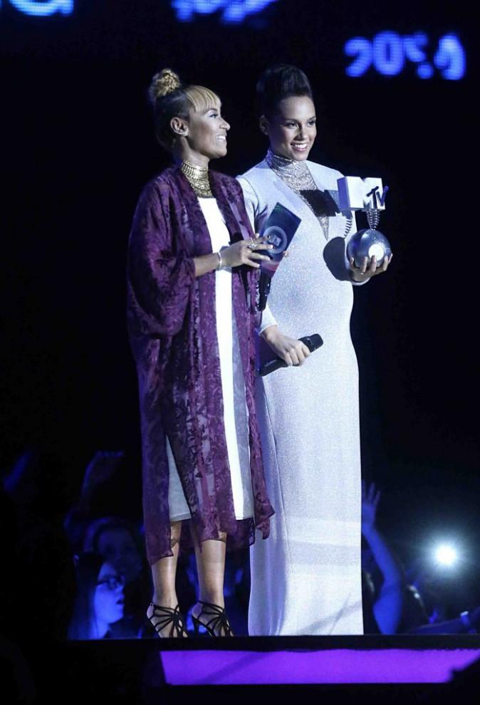 MTV EMA 2014 : Alicia Keys : m�me enceinte, elle assure le show !