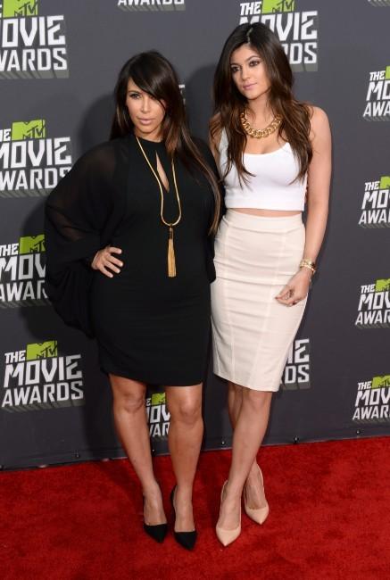 Kim Kardashian et Kylie Jenner lors des MTV Movie Awards 2013 à Los Angeles, le 14 avril 2013.