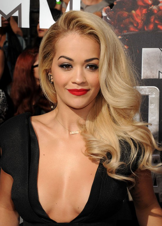 Rita Ora à la cérémonie des MTV Movie Awards organisée à Los Angeles le 13 avril 2014