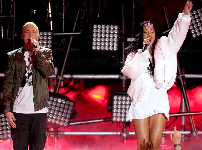 MTV Movie Awards : Rihanna et Eminem : les deux Monsters ont enflammé la scène du Nokia Theater !