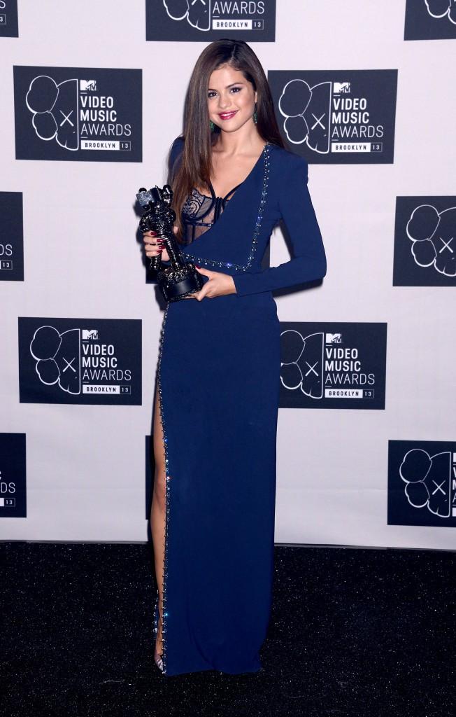 4/ Selena Gomez : désireuse de stopper sa carrière musicale, mais richement récompensée !
