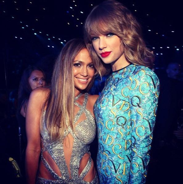 Jennifer Lopez à la cérémonie des MTV Video Music Awards le 24 août 2014 avec Taylor Swift