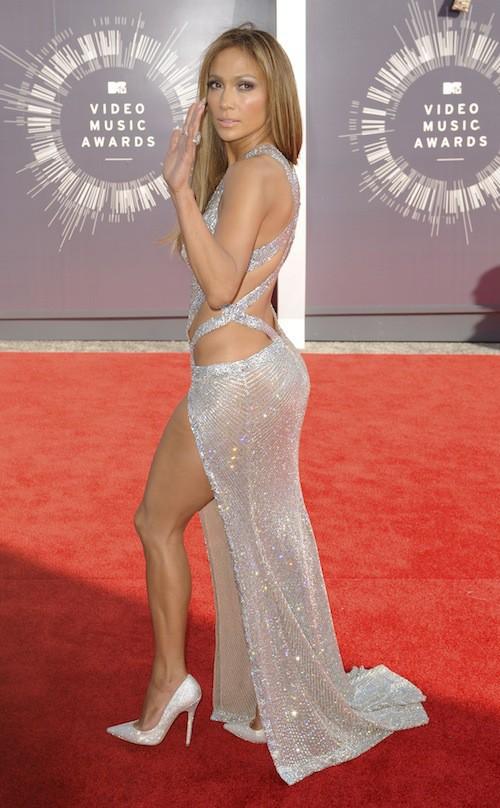 Jennifer Lopez sexy lors des MTV VMA 2014