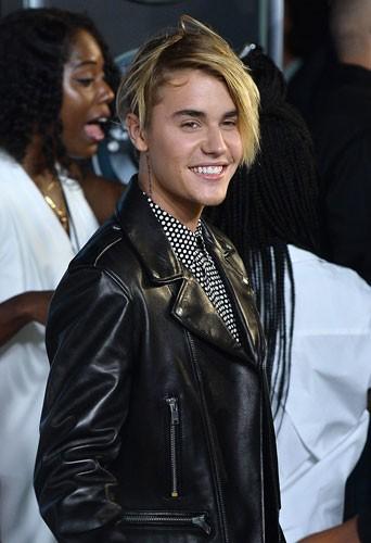 Photos : MTV VMA 2015 : Justin Bieber surprend avec sa nouvelle coupe et pleure en direct !
