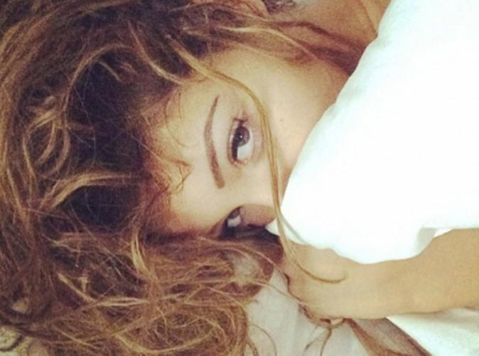 Photos : Nabilla : sous la couette pour un réveil en douceur !