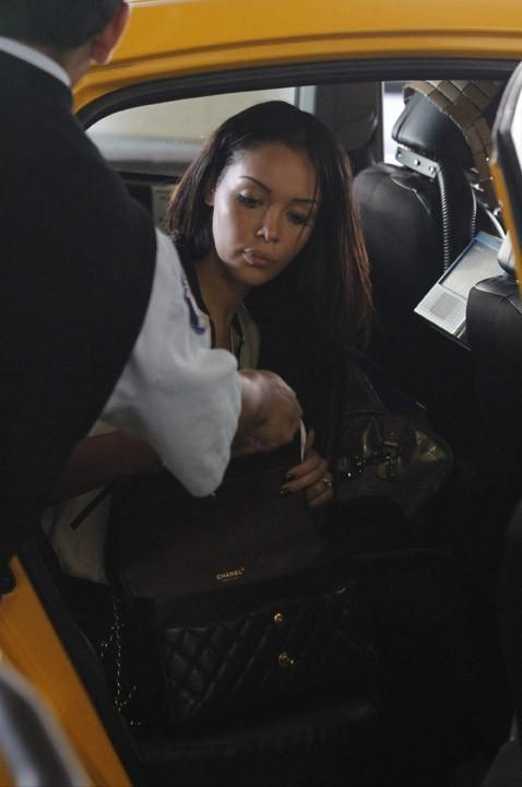 Nabilla à l'aéroport de Los Angeles le 17 juillet 2013