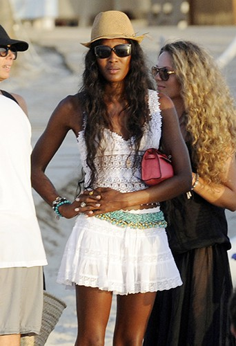 Naomi Campbell à Formentera le 23 août 2013
