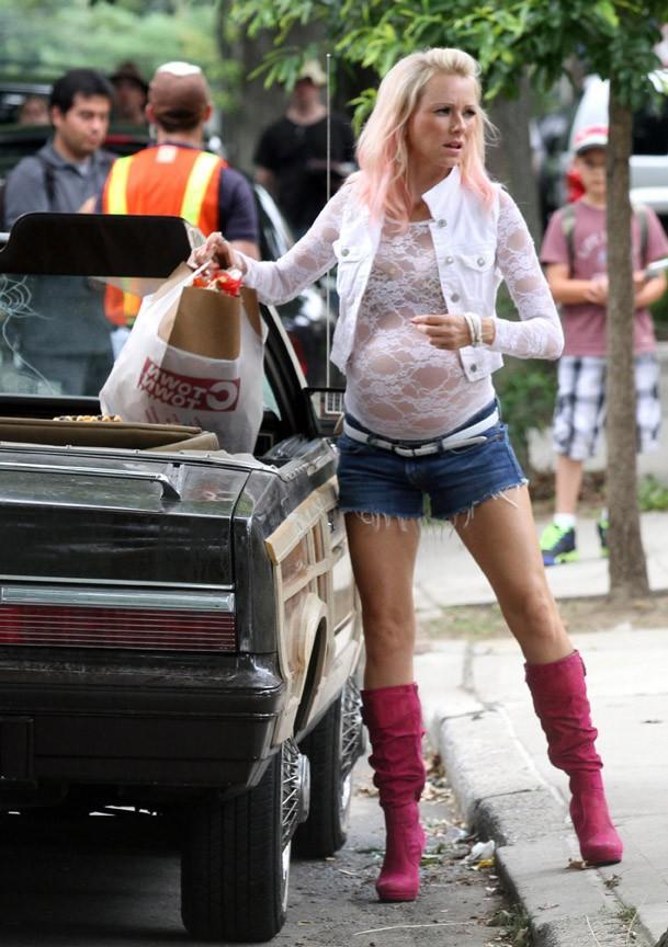 Naomi Watts sur le tournage de son nouveau film, St. Vincent de Van Nuys, à New-York le 10 juillet 2013