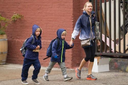 Photos : Naomi Watts : une famille en plastique à New York !