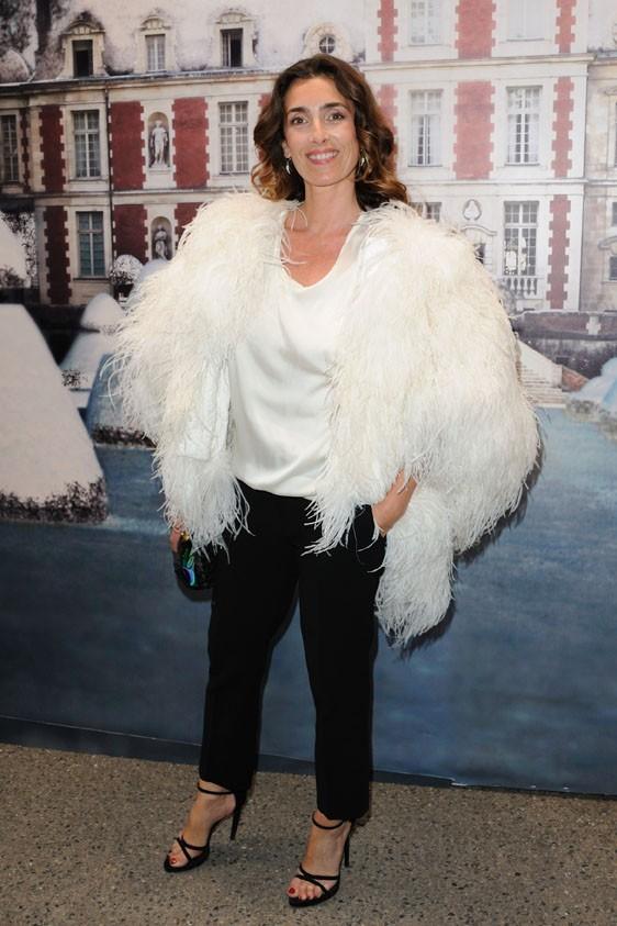 Melle Agnès lors de la soirée White Fairy Tale Love Ball à Paris, le 6 juillet 2011.
