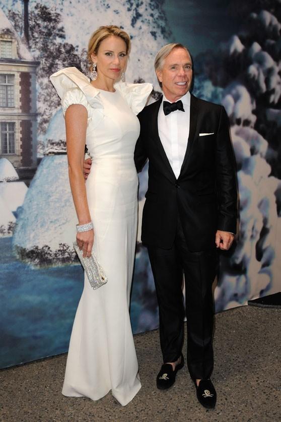 Tommy Hilfiger et sa femme Dee Ocleppo lors de la soirée White Fairy Tale Love Ball à Paris, le 6 juillet 2011.
