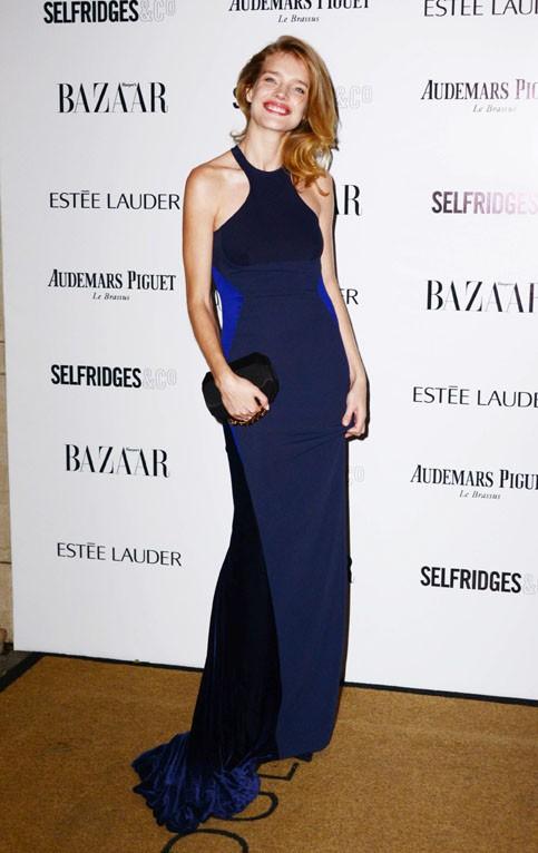 Natalia Vodianova à la soirée des Harper's Bazaar Women of the Year Awards organisée à Londres le 5 novembre 2013