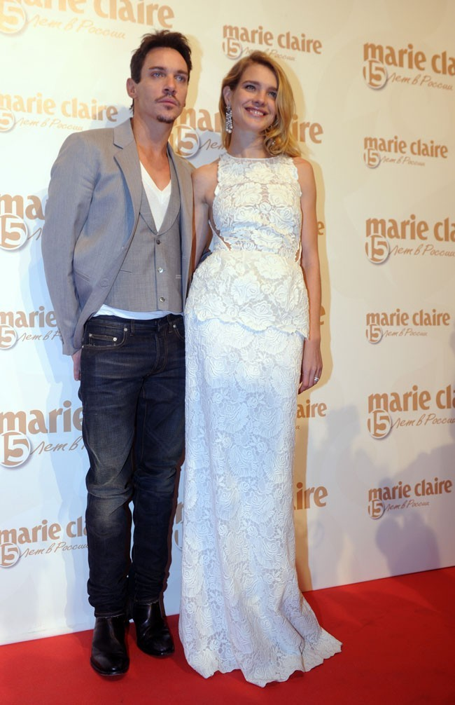 Jonathan Rhys-Meyer et Natalia Vodianova le 14 novembre 2012 à Moscou