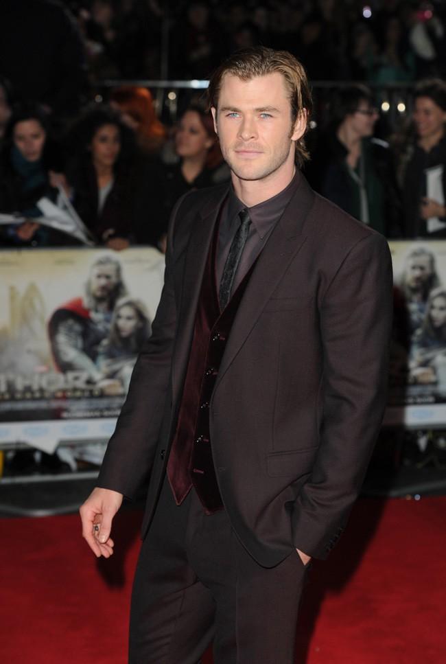 Chris Hemsworth à l'avant-première de Thor, le monde des ténèbres à Londres le 22 octobre 2013