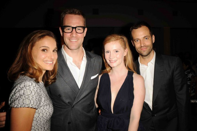 Natalie Portman : elle met les rumeurs de grossesse de côté et s'affiche ravissante auprès de son homme !
