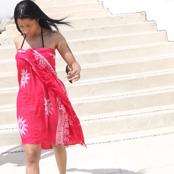 Photos : Nicki Minaj : elle mouille le maillot et continue d'afficher ses jumeaux !