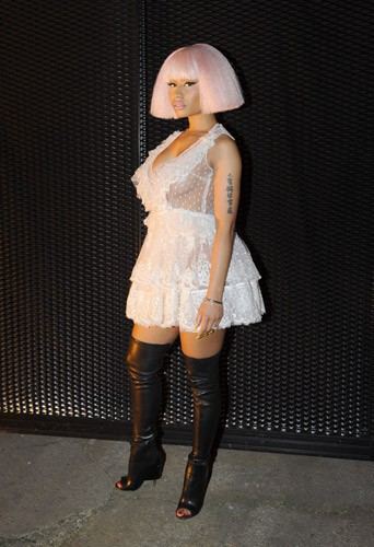 Photos : Nicki Minaj exhibe son gros booty pour Givenchy !