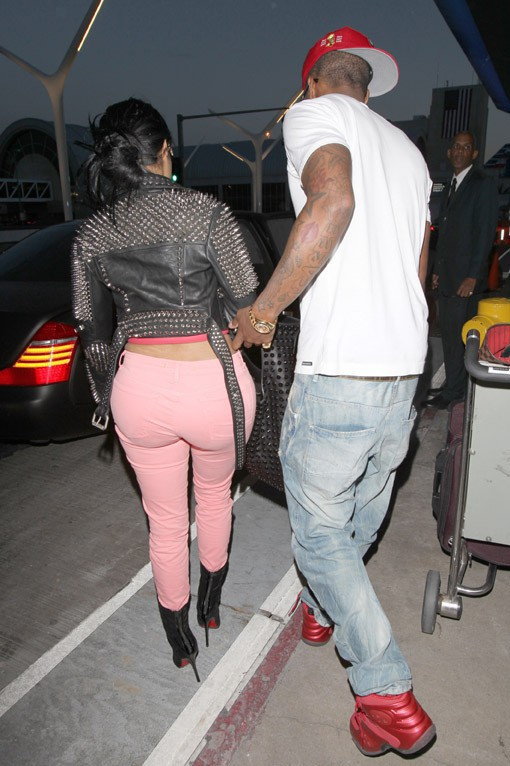 Nicki Minaj avec son boyfriend Safaree Samuels à l'aéroport de Los Angeles le 10 mars 2014