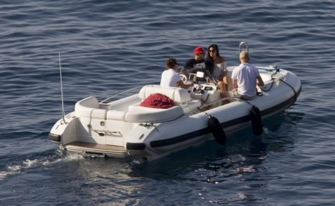 Nicole Scherzinger et Lewis Hamilton en vacances à Capri, le 28 mai 2013.