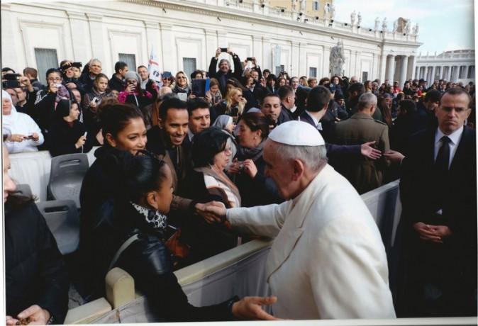 Nicole Scherzinger et Lewis Hamilton ont rencontré le pape François à Rome le 12 février 2014