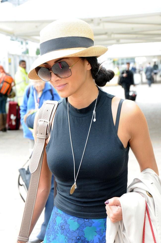 Nicole Scherzinger à l'aéroport de Glasgow le 3 juin 2013